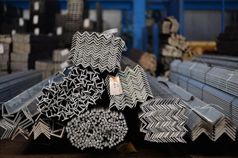 Stahl in einer Stahlhalle